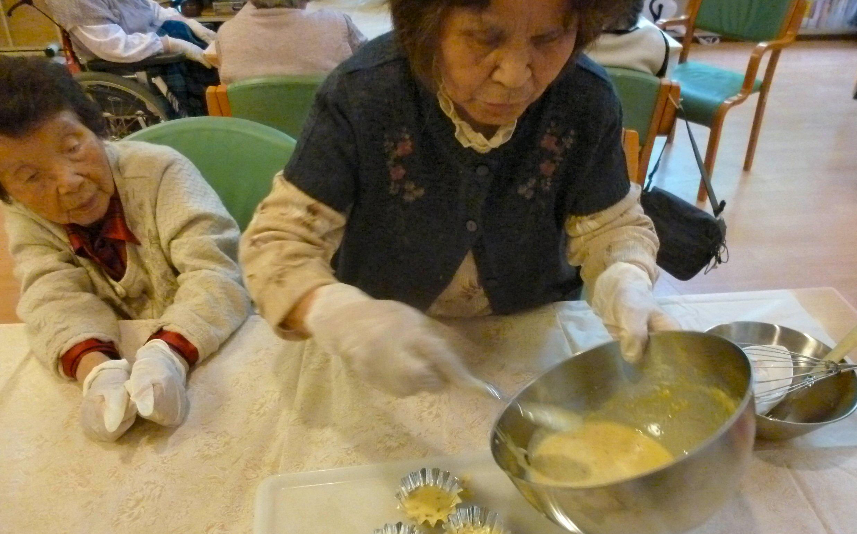 おやつ作り:バナナチョコ蒸しパン②