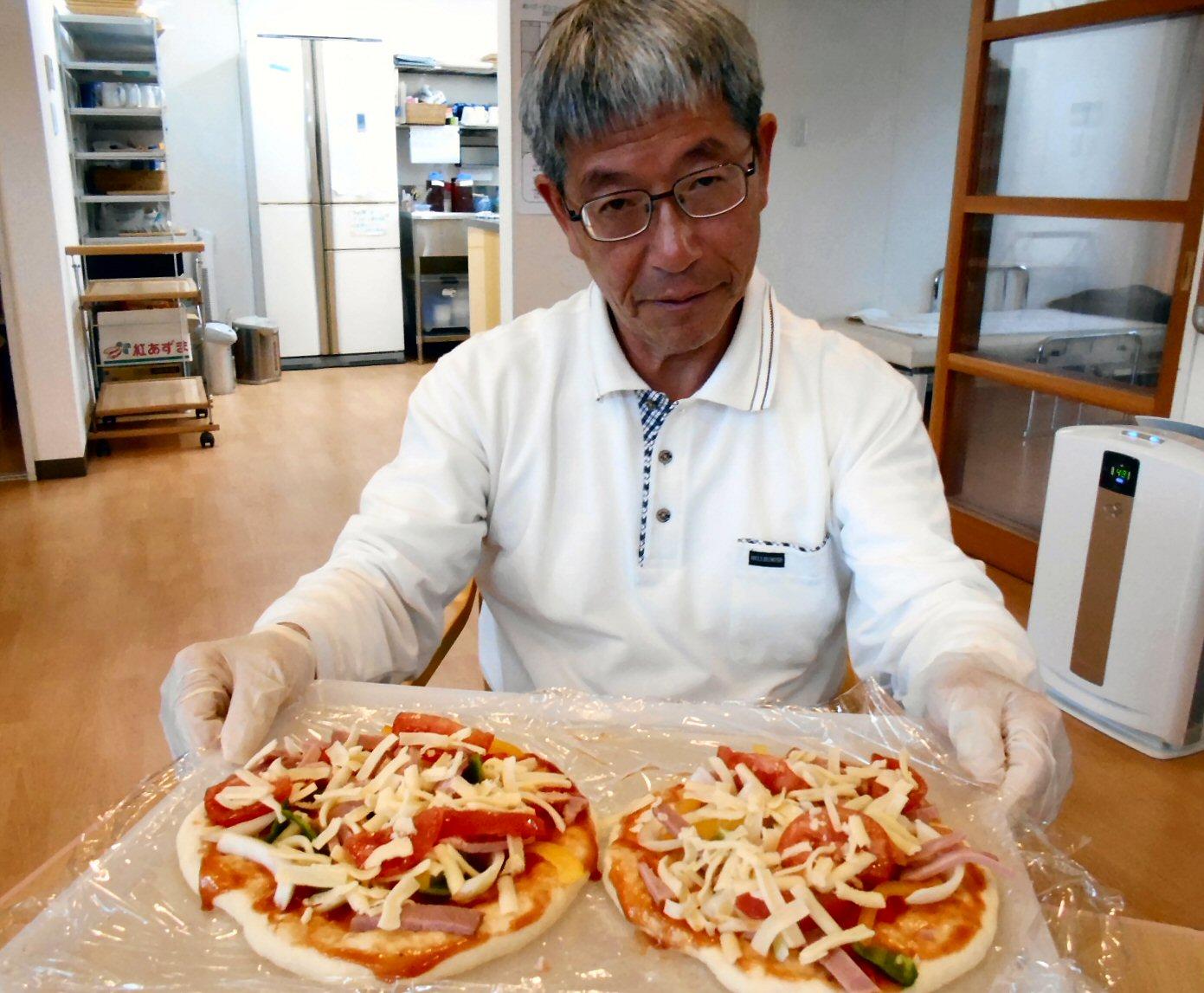 21日 おやつ作りピザ③
